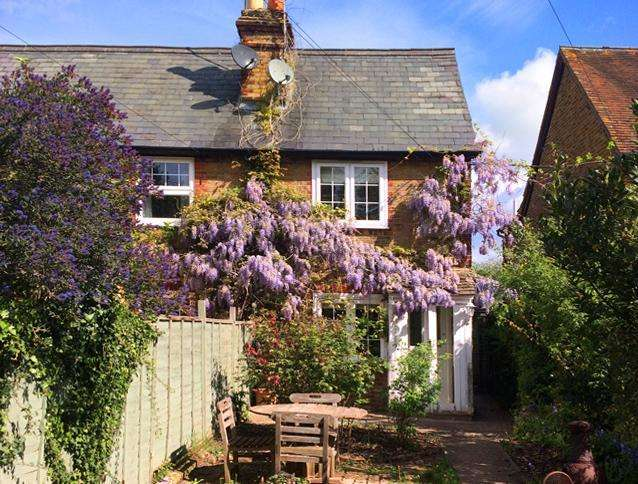 2 Bedrooms End Of Terrace House for sale in The Dell, COOKHAM, SL6