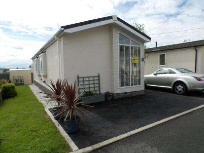 2 Bedrooms Mobile Home for sale in Weavervale Park, Bartington, Northwich, Cheshire