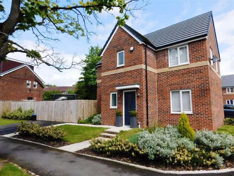 3 Bedrooms Detached House for sale in Greenhurst Crescent, Bardsley, Oldham
