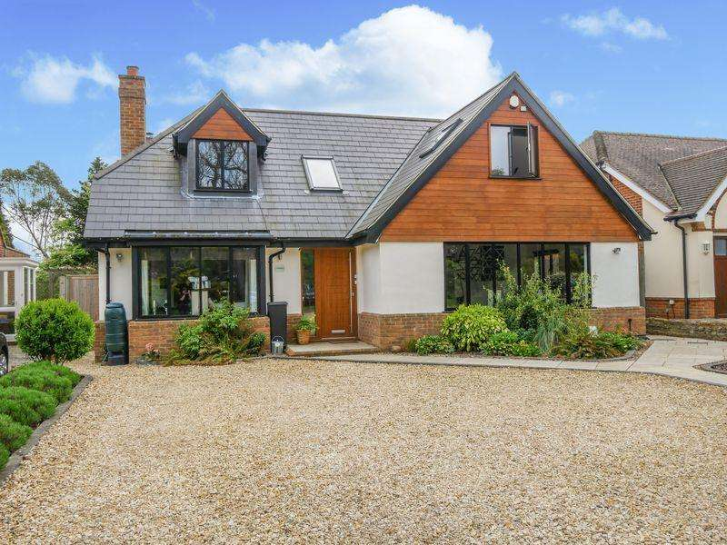5 Bedrooms Detached House for rent in BOVINGDON GREEN - Marlow