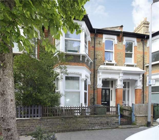 2 Bedrooms Flat for sale in Cleveland Park Avenue, Walthamstow, London
