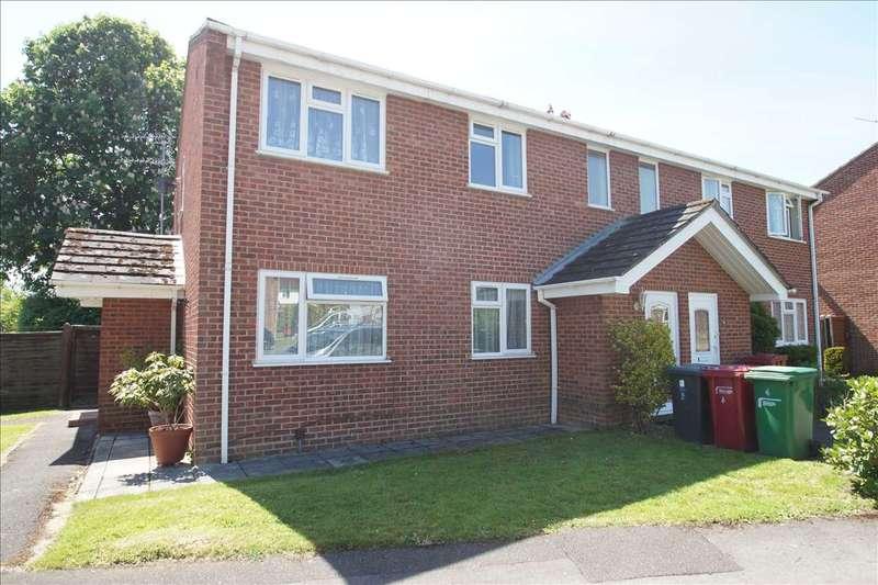 2 Bedrooms Maisonette Flat for sale in Leaholme Gardens, Burnham, Slough