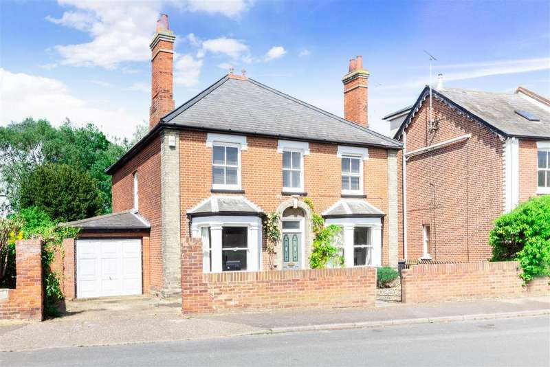 4 Bedrooms Detached House for sale in Crouch Road, Burnham-On-Crouch