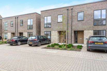 3 Bedrooms Semi Detached House for sale in Cambridge, Cambridgeshire
