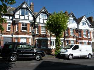 5 Bedrooms Terraced House for sale in Cambridge Gardens, Folkestone