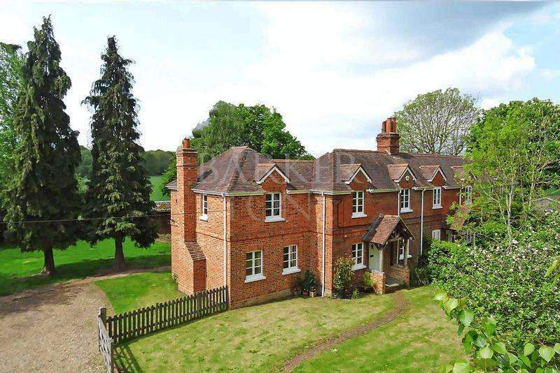 4 Bedrooms Semi Detached House for rent in Character Country Home, 3 miles from Crossrail