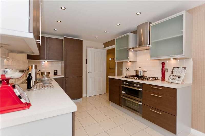 4 Bedrooms Semi Detached House for sale in Borehamwood, Borehamwood