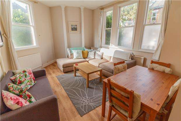 1 Bedroom Flat for sale in Balvernie Grove, LONDON, SW18 5RR