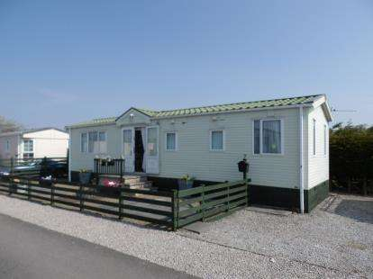 2 Bedrooms Mobile Home for sale in The Pastures, Oxcliffe Road, Heaton With Oxcliffe, Morecambe, LA3