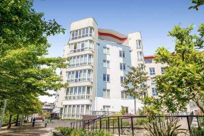 1 Bedroom Flat for sale in The Crescent, Hannover Quay, Bristol, .