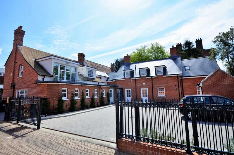 2 Bedrooms Apartment Flat for sale in High Street, Billericay