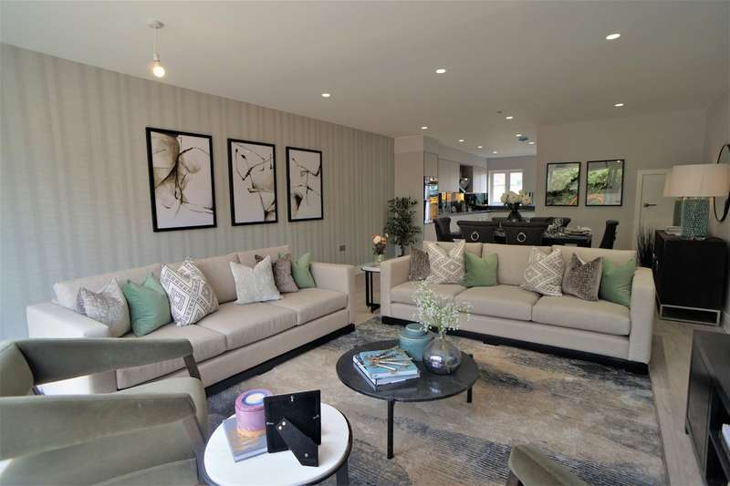 4 Bedrooms End Of Terrace House for sale in Canmore Gardens, London, SW16