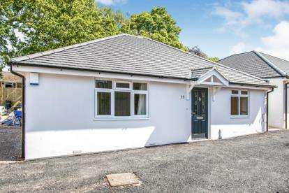 2 Bedrooms Bungalow for sale in Knighton Heath, Bournemouth, Dorset