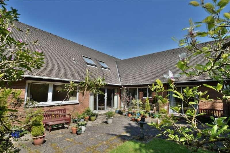 3 Bedrooms Detached House for sale in Whitehill Lane, Bearsden