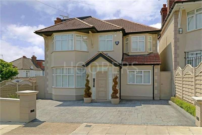 5 Bedrooms Detached House for sale in Hill Close, London