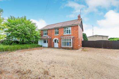 4 Bedrooms Detached House for sale in Spalding Road, Sutterton, Boston, Lincolnshire