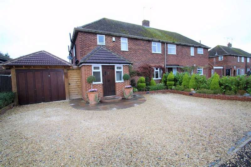 4 Bedrooms Semi Detached House for sale in Southwood Gardens, Cookham, Maidenhead