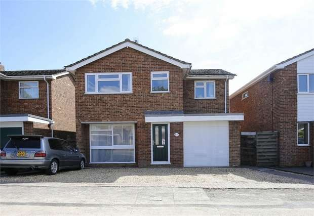 4 Bedrooms Detached House for sale in Bennet Close, Stony Stratford, Milton Keynes, Buckinghamshire
