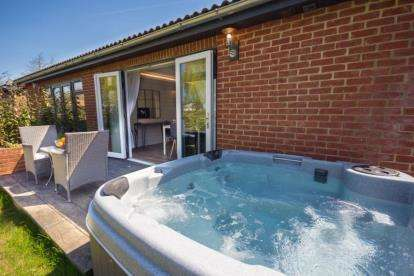 2 Bedrooms Bungalow for sale in Rookley, Ventnor, Isle Of Wight