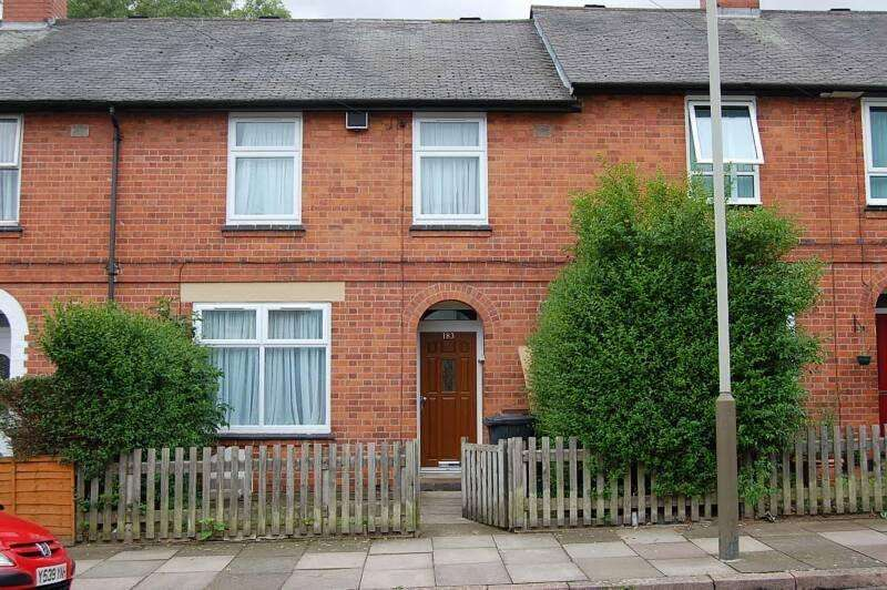3 Bedrooms Terraced House for sale in KImberley Road, Off Evington Road, Leicester, LE2 1LP