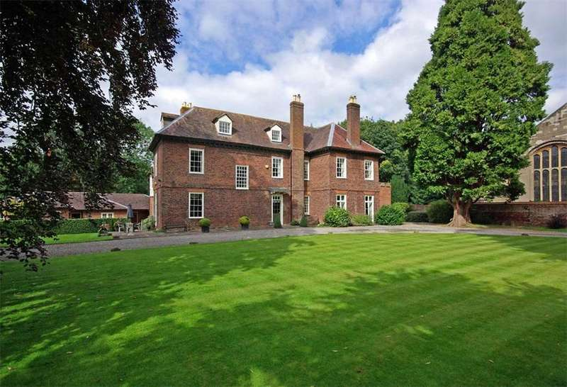 7 Bedrooms Detached House for sale in Church Street, Newent, Gloucestershire, GL18