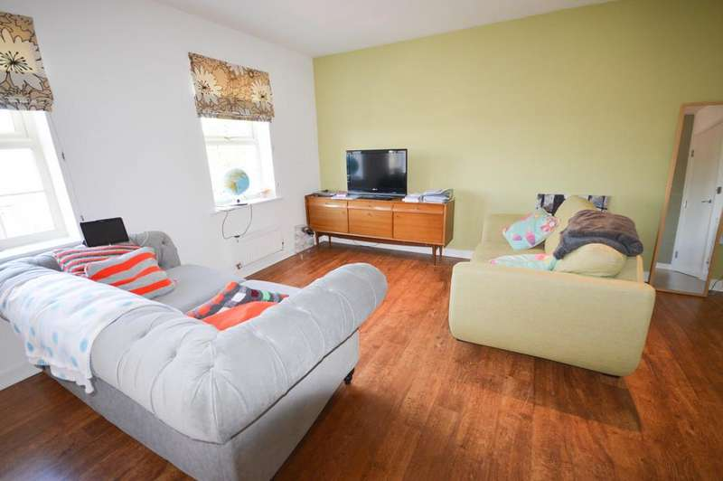 2 Bedrooms Apartment Flat for rent in Kirkby View, Gleadless, Sheffield. S12
