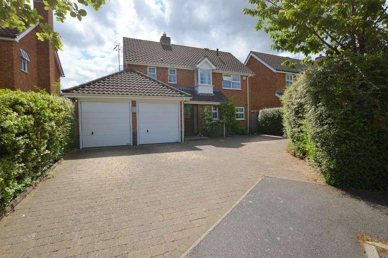 4 Bedrooms Detached House for sale in Saffron Close, Bushmead, Luton, Bedfordshire, LU2 7GF