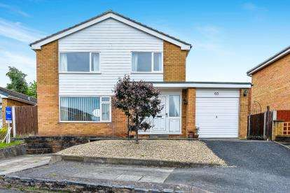 4 Bedrooms Detached House for sale in Erw Goch, Ruthin, Denbighshire, North Wales, LL15