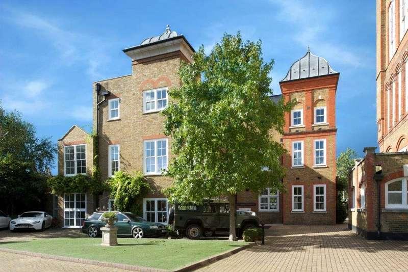 3 Bedrooms Terraced House for sale in Old Garden House, Bridge Lane, Battersea, London