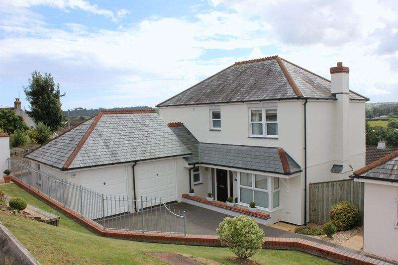 4 Bedrooms Detached House for sale in Trelevan Close, St. Austell