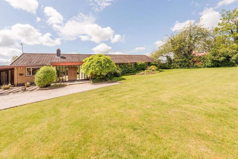 5 Bedrooms Detached House for sale in Hackmans Gate, Clent, Stourbridge, West Midlands, DY9 0EN