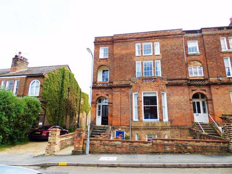 3 Bedrooms Apartment Flat for sale in George Street, Louth