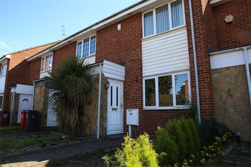 3 Bedrooms Terraced House for sale in Severn Crescent, Slough, SL3