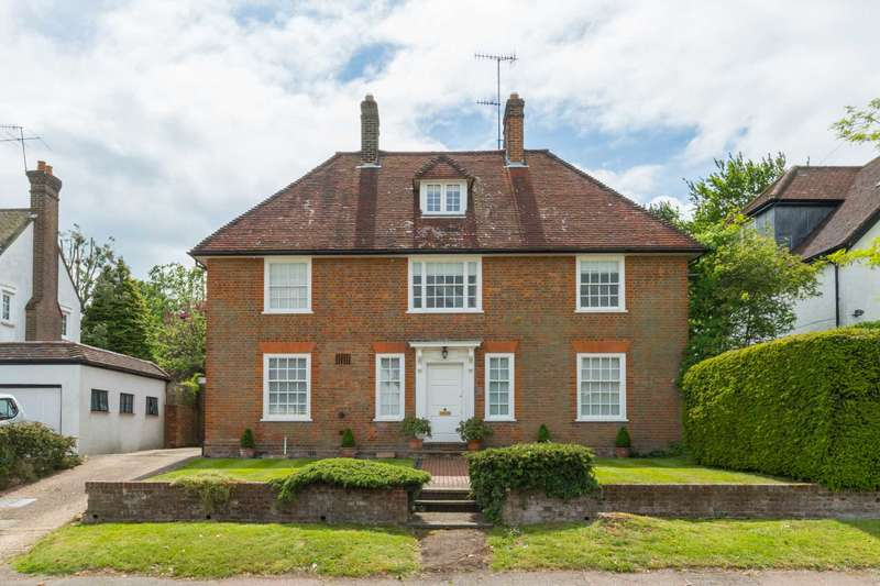 5 Bedrooms Detached House for sale in Anglefield Road, Berkhamsted