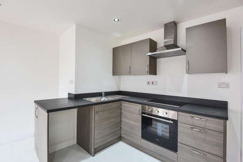 3 Bedrooms Flat for sale in Northumberland Avenue, Reading, RG2