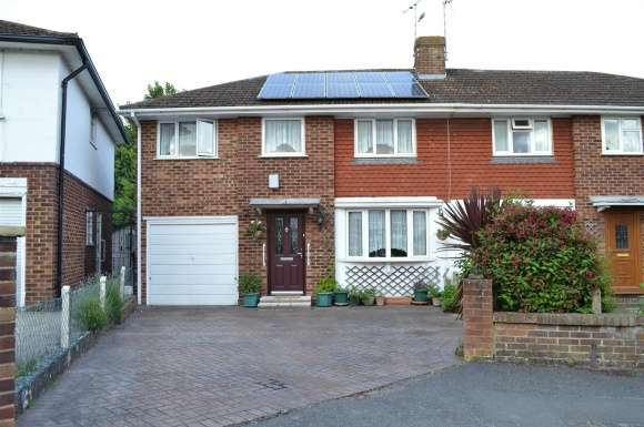 4 Bedrooms Detached House for sale in Ainsdale Crescent, Reading