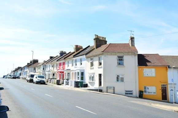 5 Bedrooms Property for rent in Queens Park Road, Brighton