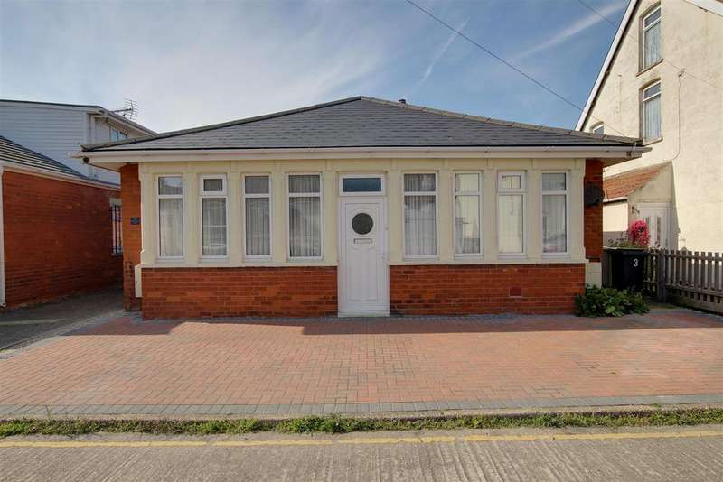 3 Bedrooms Detached Bungalow for sale in Wellington Avenue, Mablethorpe