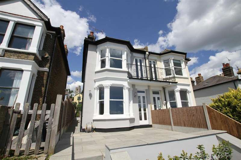 3 Bedrooms Semi Detached House for sale in The Gardens, Leigh-On-Sea