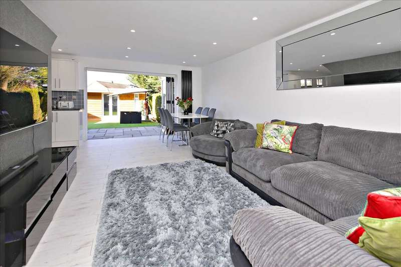 3 Bedrooms Terraced House for sale in Hillcrest, Hatfield