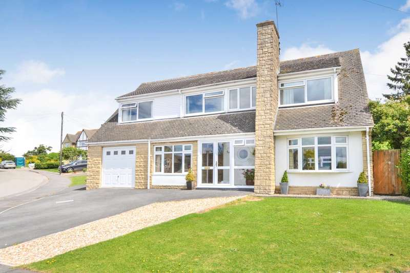 4 Bedrooms Detached House for sale in Southam, Cheltenham, Gloucestershire