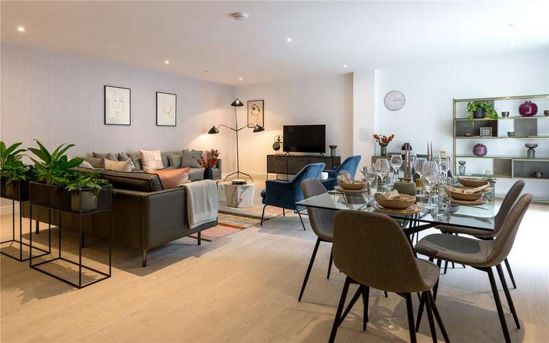 3 Bedrooms Apartment Flat for sale in The Avenue, Brondesbury Park, London, NW6