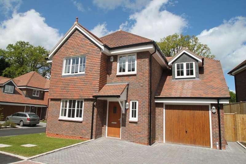5 Bedrooms Detached House for rent in Vardon Place, Old Bisley Road, Frimley