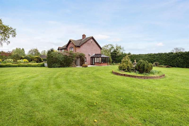 4 Bedrooms Detached House for sale in Winnal, Hereford, HR2 9BS
