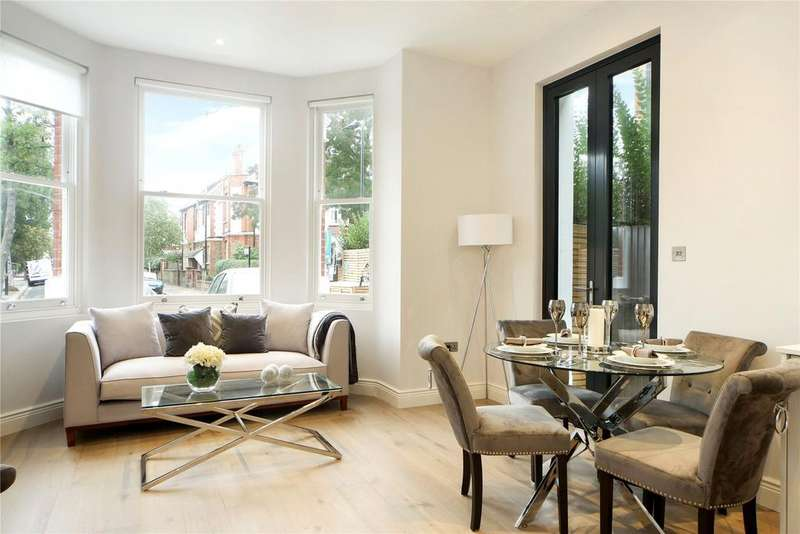 2 Bedrooms Flat for sale in Birch Grove, London, W3
