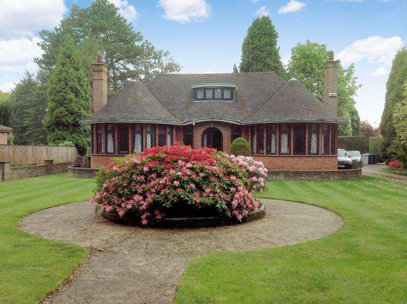 3 Bedrooms Detached Bungalow for sale in Tree Haven, 33 Stixwould Road, Woodhall Spa