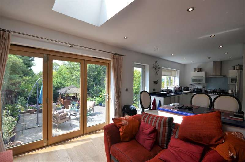 5 Bedrooms Semi Detached House for sale in 5 BEDROOM WITH TRIPLE RECEPTION ROOM - VASTLY EXTEDED - 2 ENSUITES!