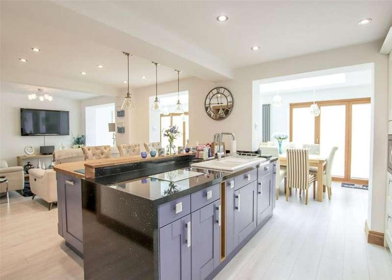 4 Bedrooms Detached House for rent in Woodmancott Close, Bracknell, Berkshire, RG12