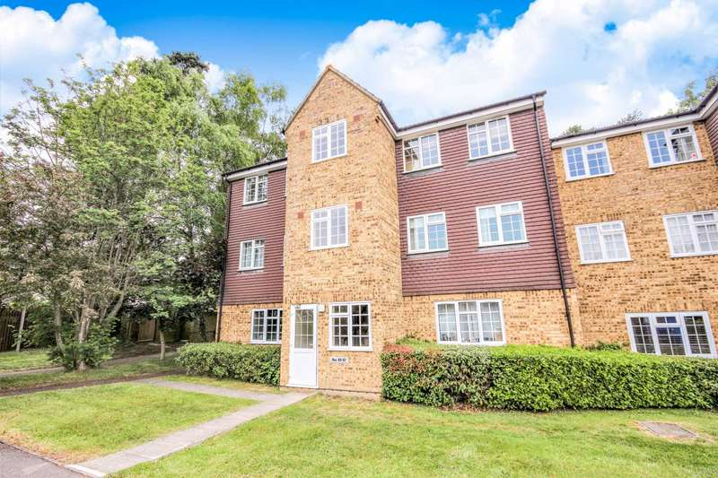 1 Bedroom Apartment Flat for sale in Crofton Close, Forest Park