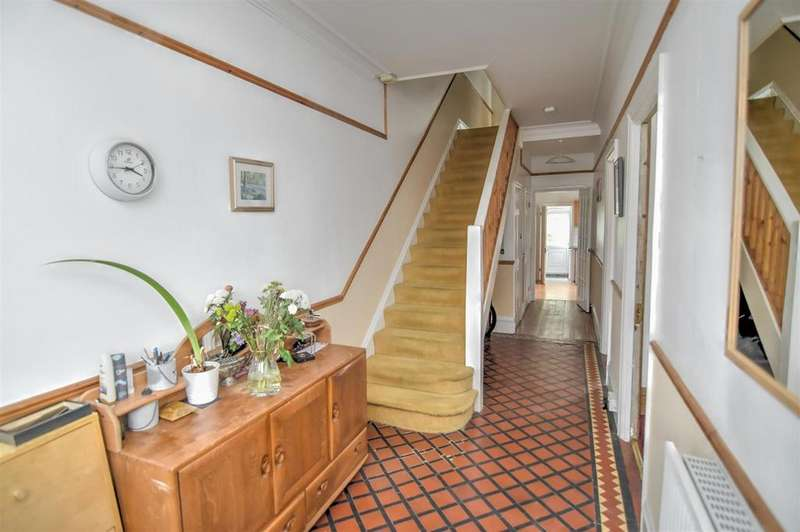 4 Bedrooms House for sale in Ederline Avenue, London